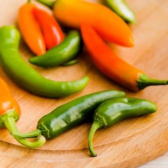Várias pimentas a bordo