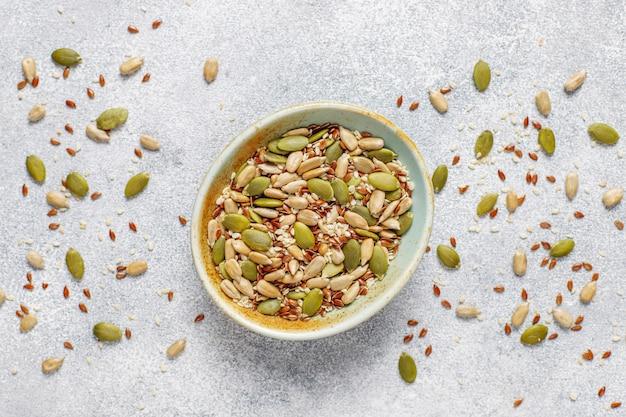 Várias sementes - gergelim, semente de linho