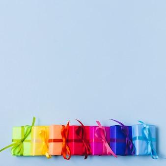 Variedade colorida de presentes
