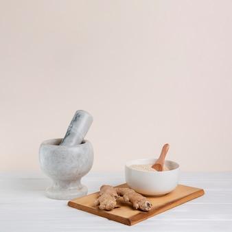 Variedade com argamassa de pistilo e açafrão