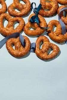 Variedade da oktoberfest com deliciosos pretzel