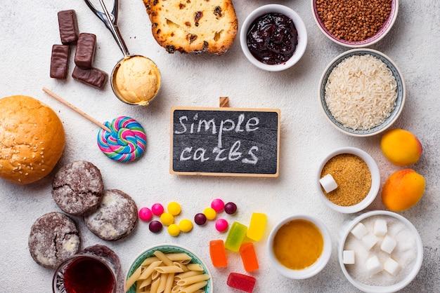 Variedade de alimentos simples de carboidratos
