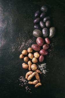 Variedade de batatas cruas