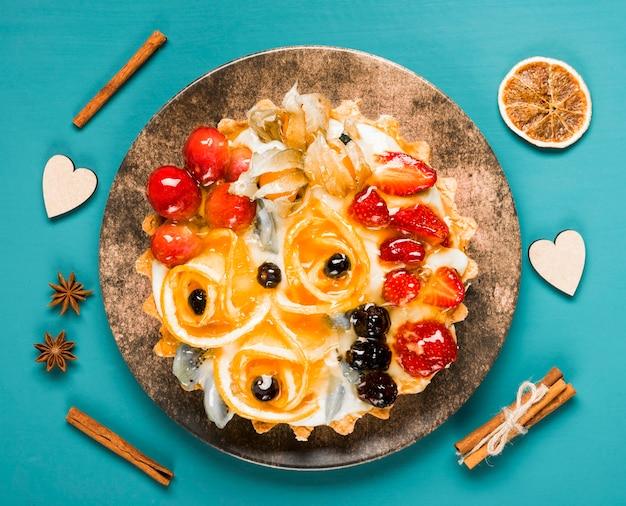 Variedade de bolo de frutas de vista superior