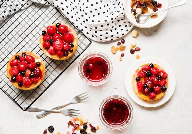 Variedade de bolos frutados