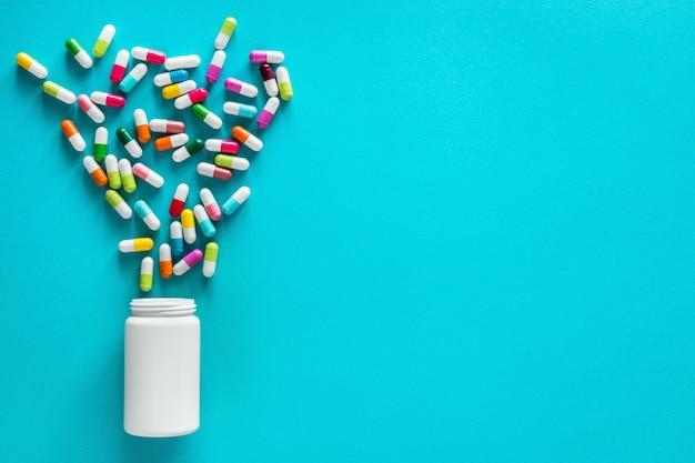 Variedade de cápsulas, comprimidos e comprimidos para medicamentos farmacêuticos