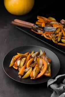 Variedade de comida deliciosa de outono de alto ângulo
