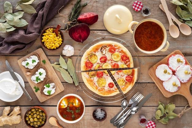 Variedade de comida saborosa horizontalmente