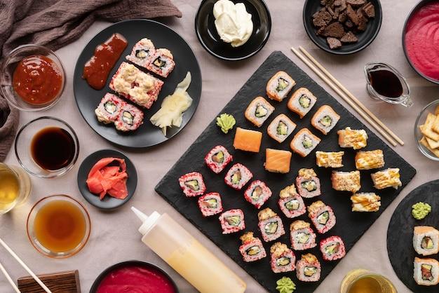 Variedade de comida saborosa vista de cima