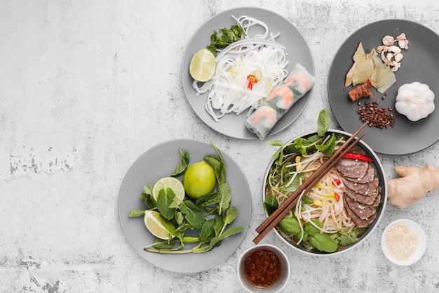 Variedade de comida vietnamita
