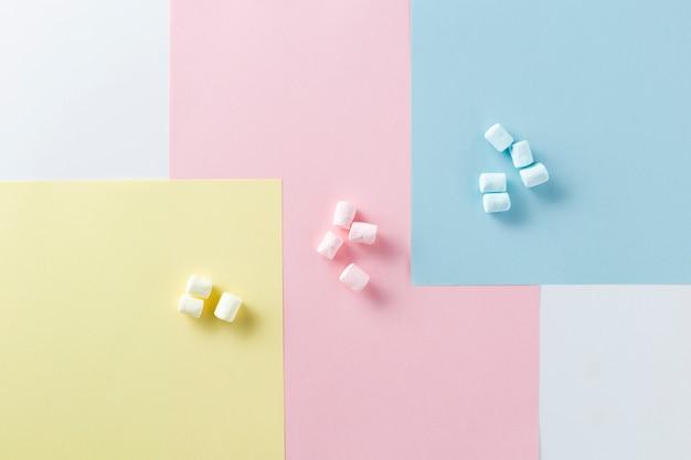 Variedade de cores com marshmallows