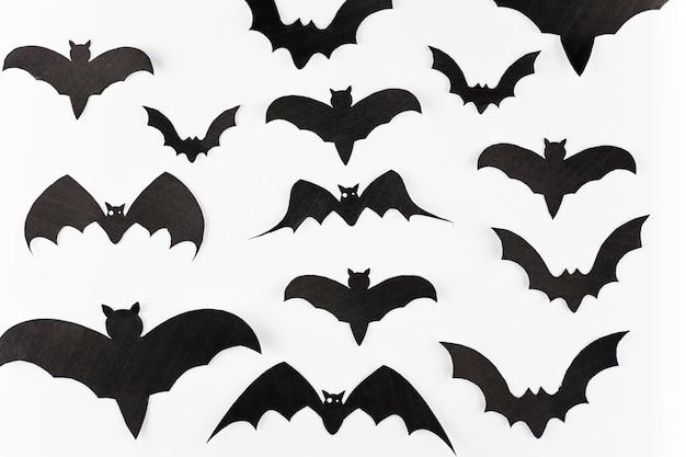 Variedade de decoração de morcegos de papel