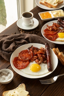 Variedade de deliciosa refeição de café da manhã