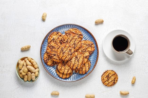 Variedade de deliciosos biscoitos frescos