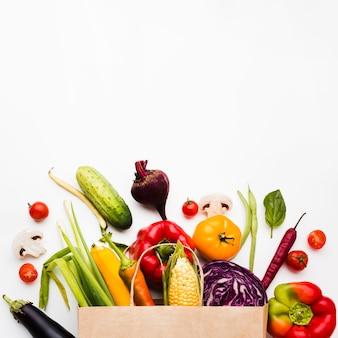 Variedade de diferentes vegetais frescos