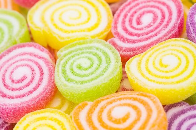Variedade de doces de geléia de fruta colorida