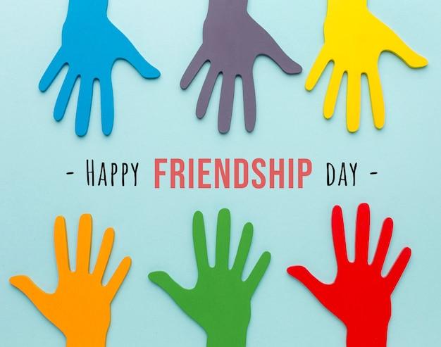 Variedade de elementos do dia da amizade em natureza morta