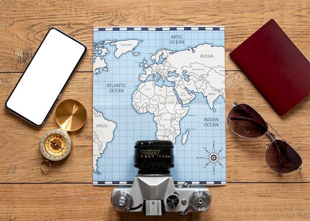 Variedade de elementos turísticos acima da vista