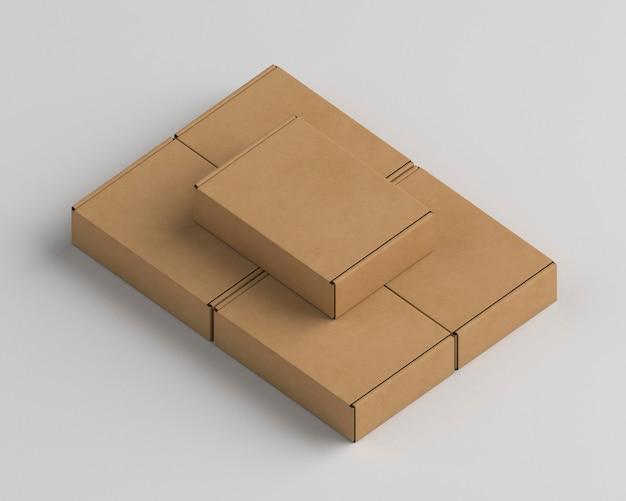 Variedade de embalagens de papelão