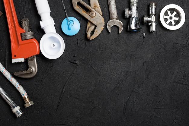 Variedade de ferramentas de encanamento