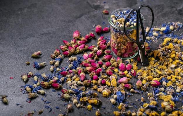 Variedade de flores secas