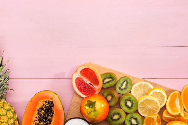 Variedade de frutas exóticas frescas