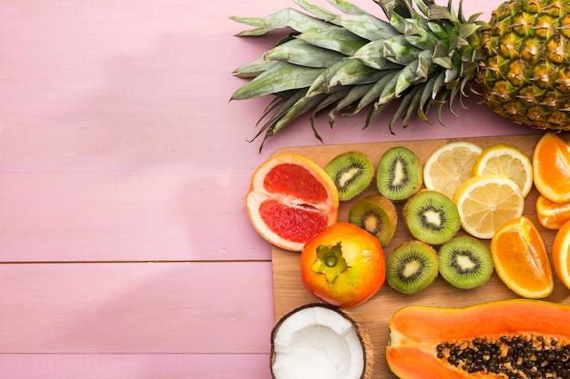Variedade de frutas exóticas saborosas