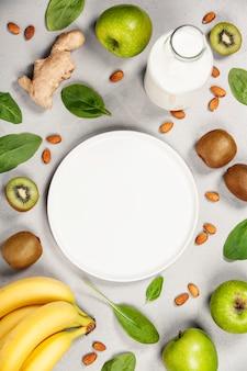 Variedade de frutas frescas e nozes