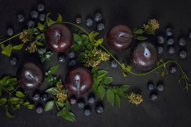Variedade de frutas saudáveis vista superior