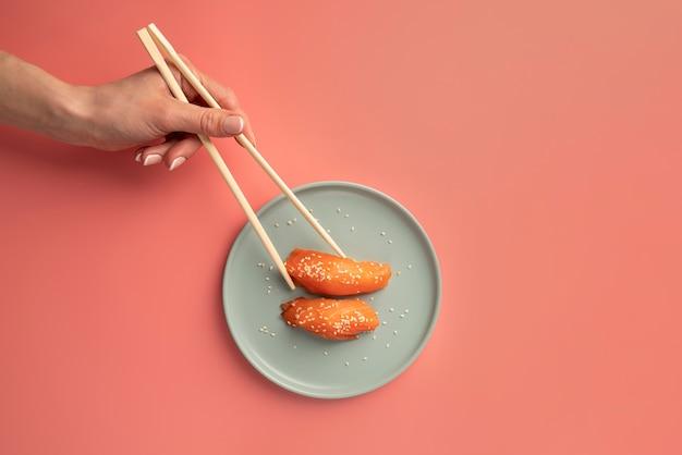 Variedade de guloseimas de sushi vista de cima