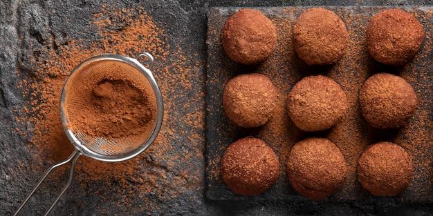 Variedade de guloseimas deliciosas de chocolate