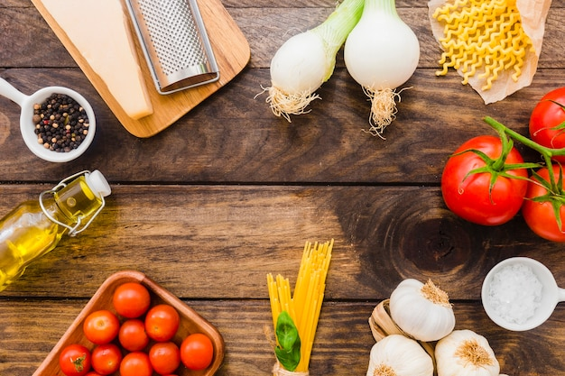 Variedade de ingredientes de massas italianas