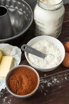 Variedade de ingredientes diferentes para uma receita deliciosa