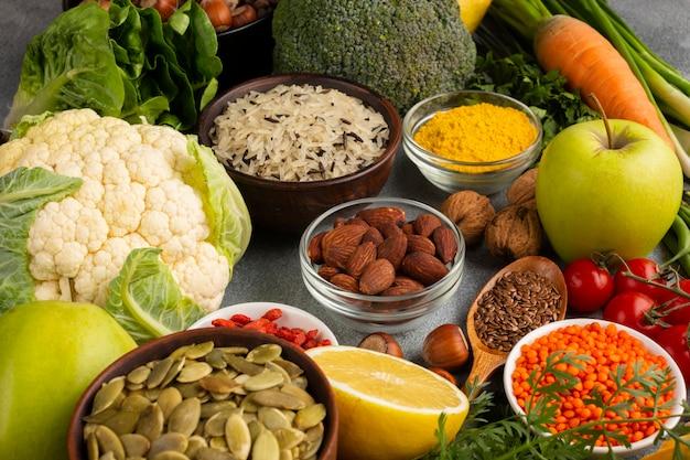 Variedade de legumes e especiarias