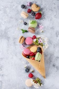 Variedade de macaroons de sobremesa francesa