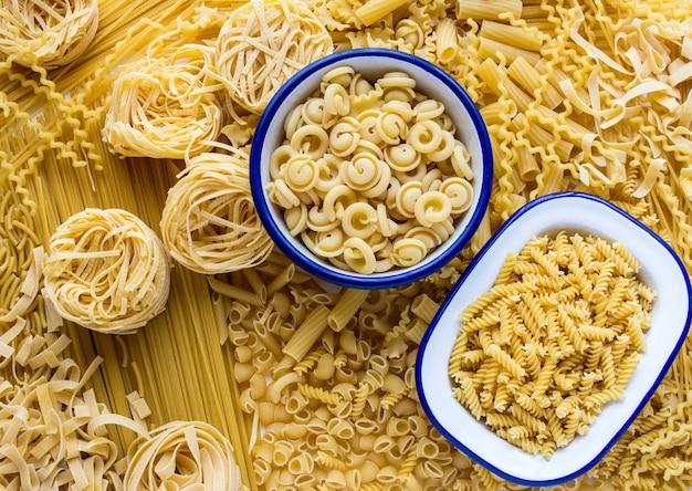 Variedade de massas italianas frescas