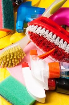 Variedade de meios para limpeza e lavagem