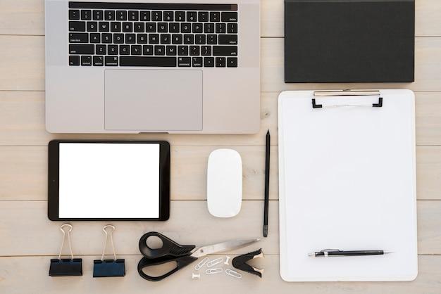 Variedade de mesa de negócios plana lay