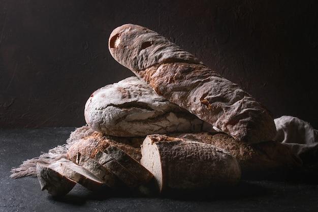 Variedade de pão artesanal