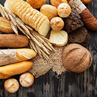 Variedade de pão assado