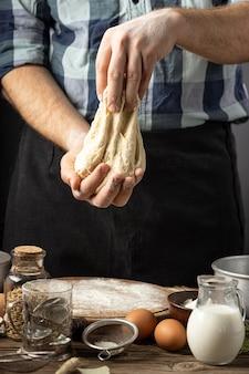 Variedade de pão delicioso com ingredientes mortos