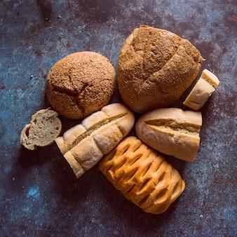 Variedade de pão vista superior