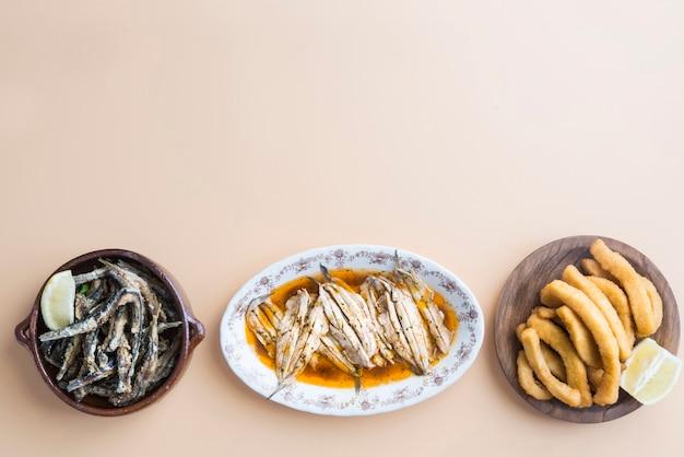Variedade de peixe típico espanhol