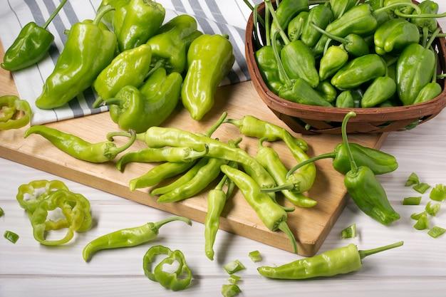 Variedade de pimentão verde.