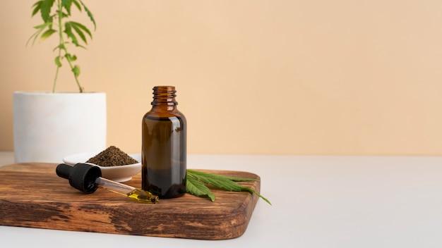 Variedade de produtos de cannabis orgânica