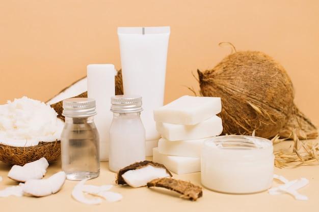 Variedade de produtos de coco close-up tiro