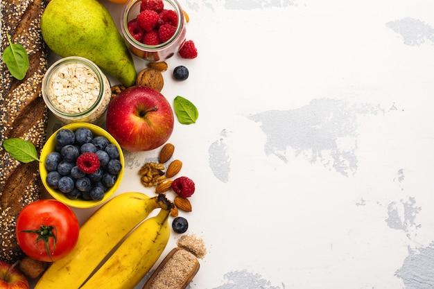 Variedade de produtos ricos em fibra