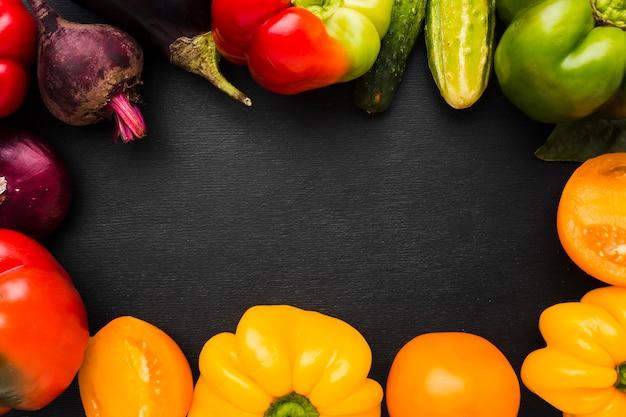 Variedade de quadros feitos de vegetais