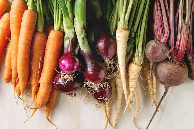 Variedade de vegetais de raiz