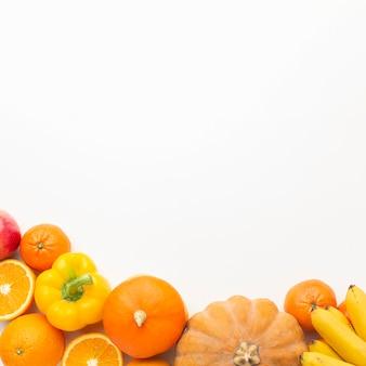 Variedade de vegetais e frutas plana